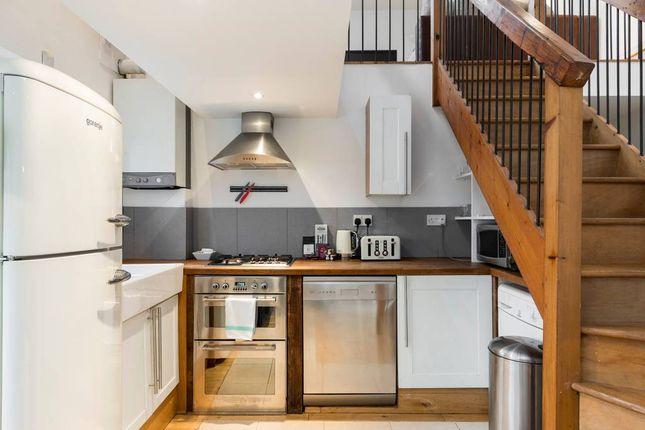 Thumbnail Maisonette to rent in Durham Street, London