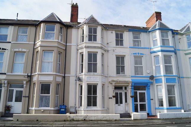Thumbnail Terraced house to rent in Embankment Road, Pwllheli