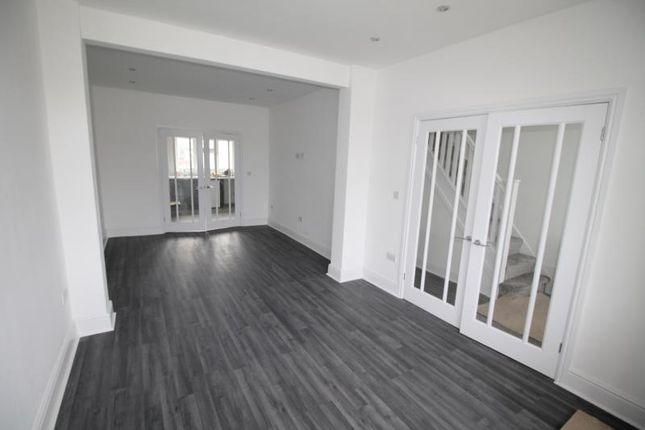 Thumbnail Semi-detached house to rent in Ellis Avenue, Rainham