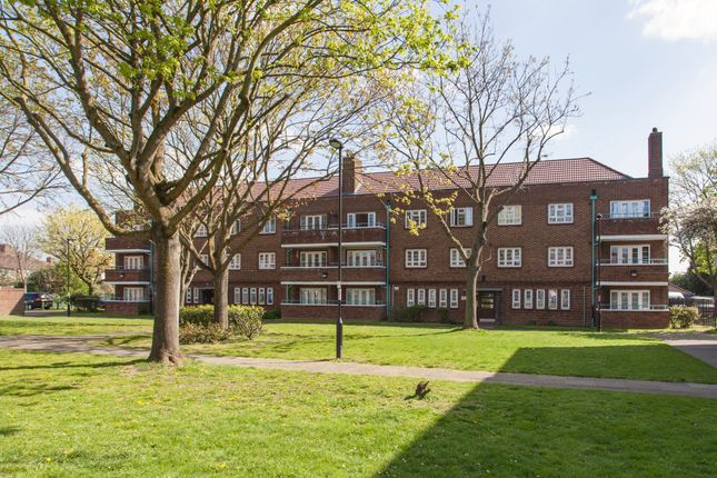 Thumbnail Flat for sale in Firs Lane, London