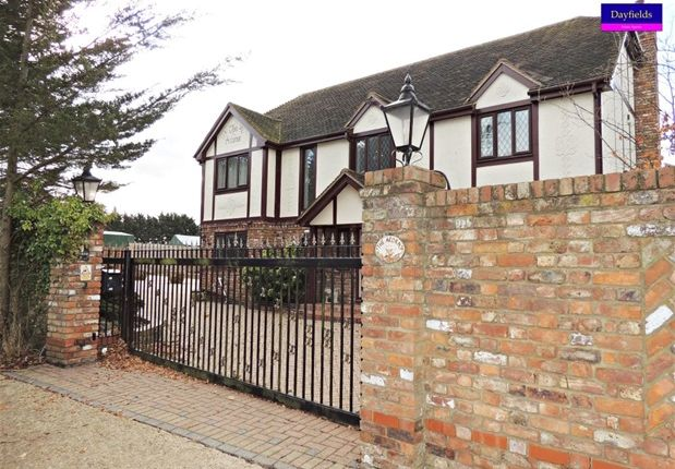 Thumbnail Detached house to rent in Vicarage Lane, North Weald, Epping