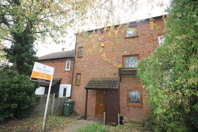 Town house to rent in Glazier Drive, Neath Hill, Milton Keynes