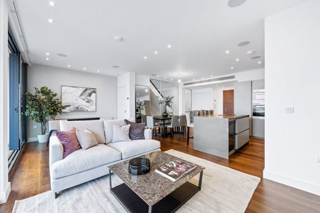 Thumbnail Flat for sale in Penthouse Centre Heights, Finchley Road, Hampstead, London