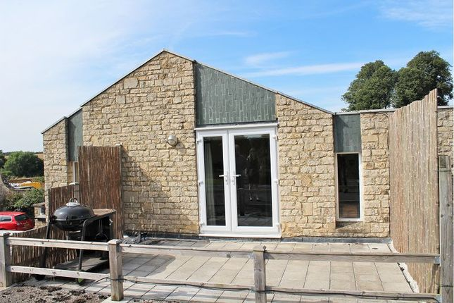 2 bed flat to rent in Manor Road, Adderbury