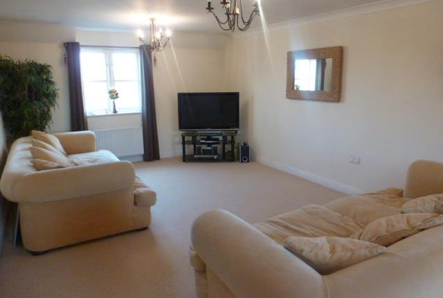Thumbnail Flat to rent in Woodall Close, Middleton, Milton Keynes