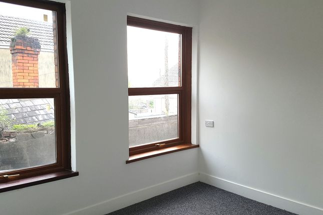 Thumbnail Flat to rent in Murray Street, Llanelli