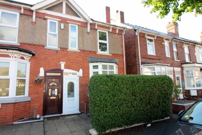 2 bed semi-detached house to rent in Victoria Road, Wednesfield, Wolverhampton WV11