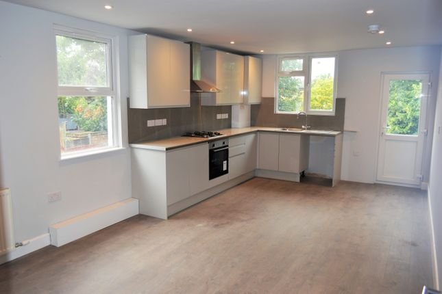 Thumbnail Maisonette to rent in Bickley Street, Tooting Broadway, London