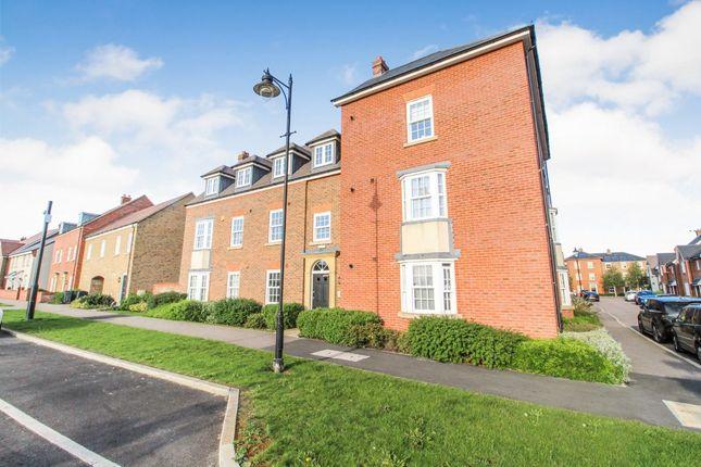 2 bed flat for sale in Wilkinson Road, Kempston, Bedford MK42
