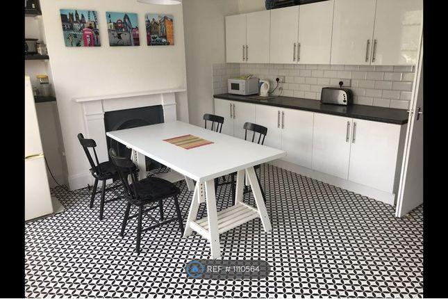 Room to rent in Heathfield Road, Croydon CR0
