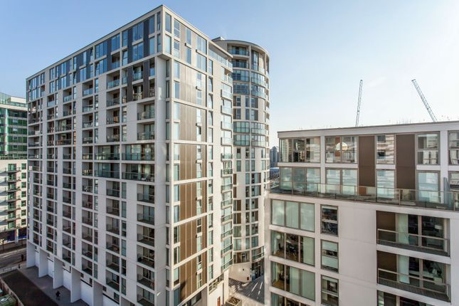 1 bed flat to rent in Lanterns Court, Cobalt Point, Canary Wharf E14