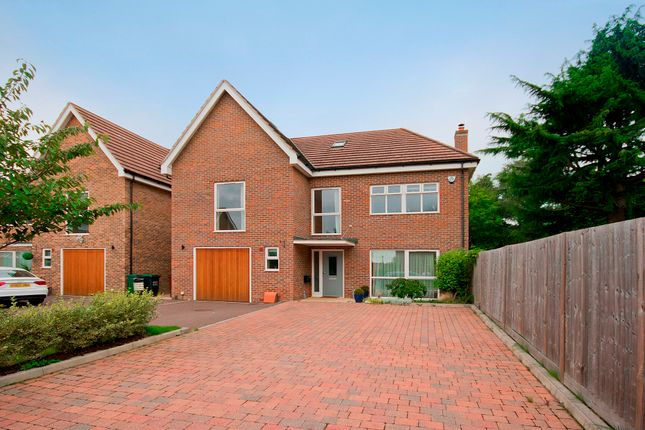 Thumbnail Detached house for sale in Upper Hill Rise, Rickmansworth, Hertfordshire