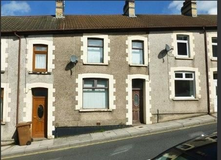 3 bed terraced house to rent in Fair View, Cefn Fforest, Blackwood NP12