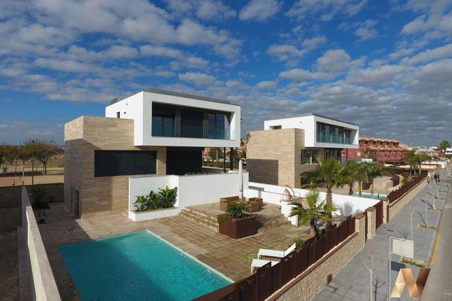 Thumbnail Villa for sale in Calle Lila Nº 1, Torre De La Horadada, Alicante, Valencia, Spain