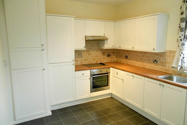 Thumbnail Flat to rent in Garvally Crescent, Alloa