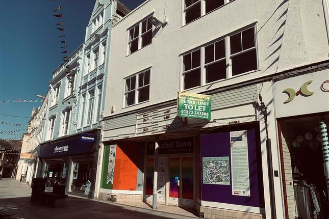 Retail premises to let in 18, Fore Street, St Austell