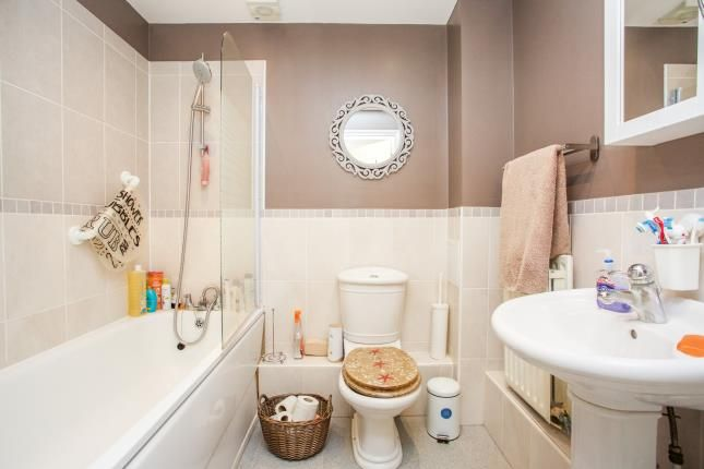 Bathroom of Bastins Close, Southampton, Hampshire SO31