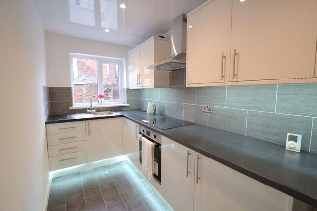 2 bed terraced house to rent in Raymond Street, Pendlebury, Swinton, Manchester M27