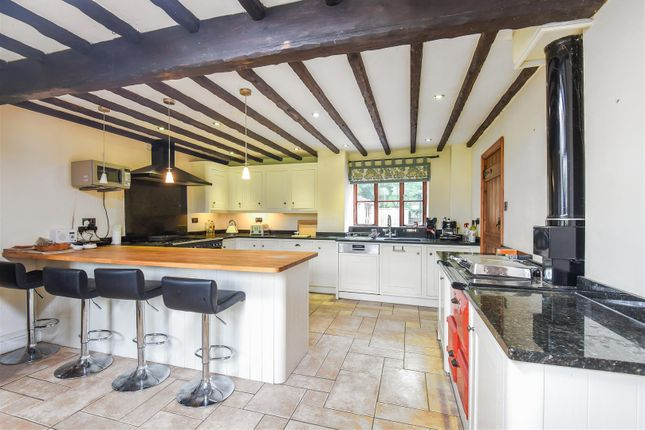 Kitchen of Hailey, Witney OX29