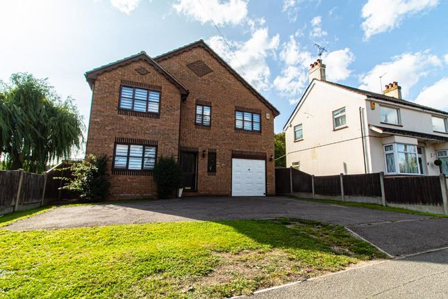 4 bed property to rent in Clay Hill Road, Basildon SS16