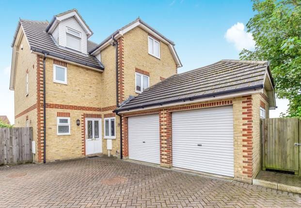 Thumbnail Detached house for sale in Broom Hill Road, Rochester, Kent