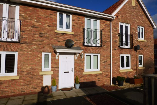 Thumbnail Town house to rent in Kilner Way, Castleford