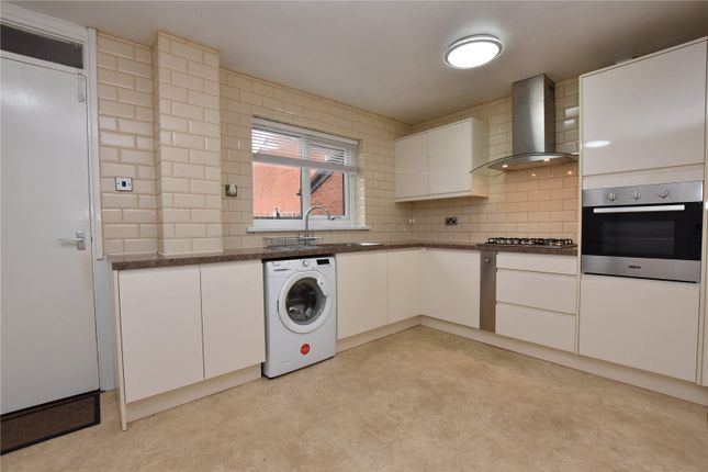 Thumbnail Town house to rent in Normanton Grove, Beeston, Leeds