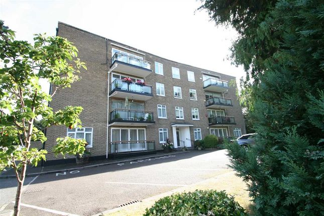 Thumbnail Flat for sale in Holmebury Close, Hive Road, Bushey