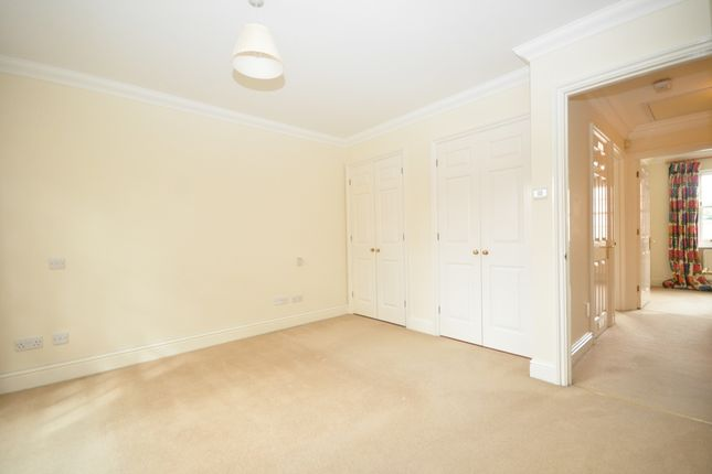Thumbnail Terraced house to rent in Springfield Park, North Parade, Horsham