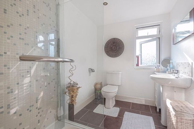 Bathroom of Tulsemere Road, London SE27