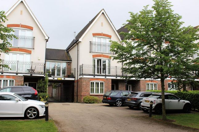 Thumbnail Town house for sale in Railton Road, Guildford