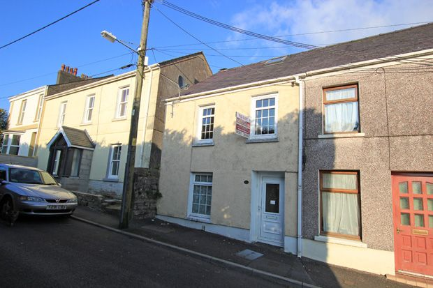 Thumbnail Terraced house to rent in Picton Place, Carmarthen, Carmarthenshire