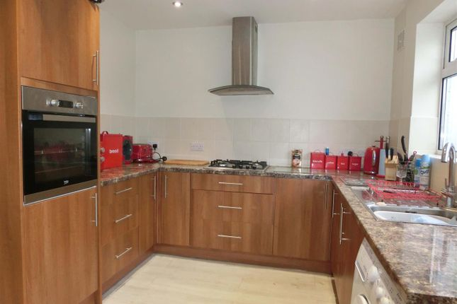 Modern Kitchen of Forder Grove, Kings Heath, Birmingham B14