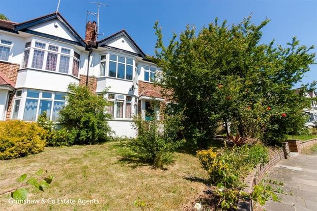 Thumbnail Flat for sale in Sandall Close, Ealing, London