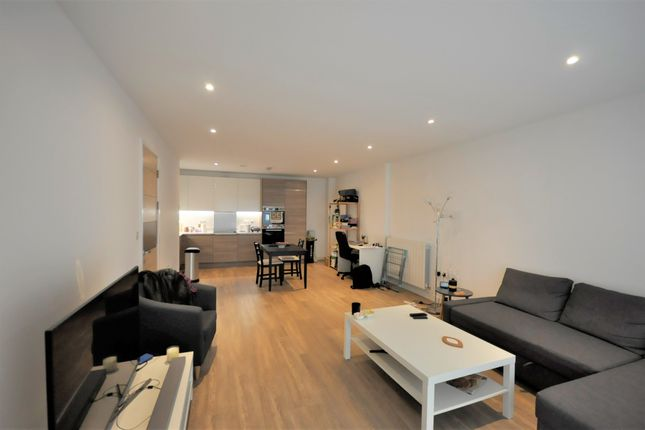Thumbnail Flat to rent in Endeavour House, Marine Wharf