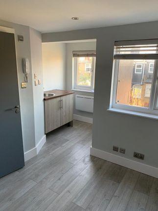 Thumbnail Flat to rent in Crowborough Road, London