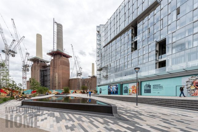 Thumbnail Flat for sale in Battersea Power Station, Switch House East, Battersea, London