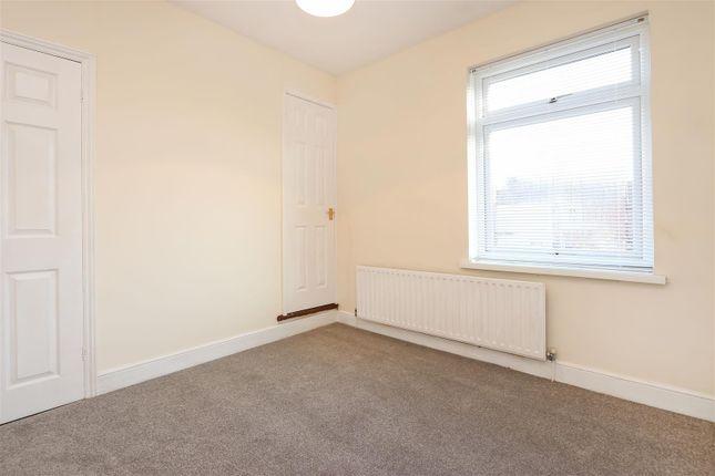 Bed1.2 of Hipper Street West, Brampton, Chesterfield S40