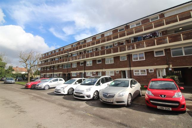 Thumbnail Maisonette for sale in Yeomans Way, Enfield