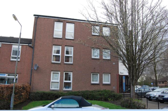 Thumbnail Flat to rent in Mains Drive, Erskine