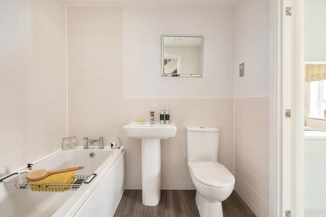 """Family Bathroom of """"Norbury"""" at Cricket Field Grove, Crowthorne RG45"""