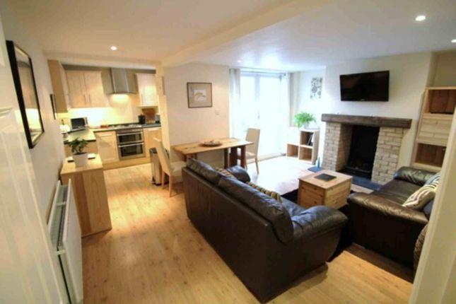 Thumbnail Flat to rent in Fernlea Rd, Balham, London