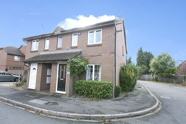 1 bed maisonette to rent in Shaw Drive, Walton-On-Thames