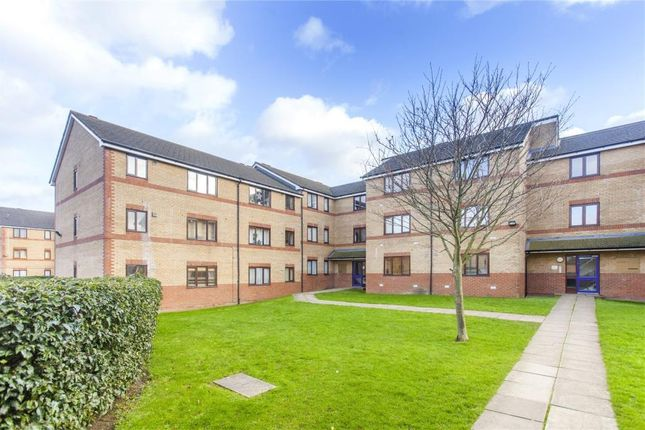 Picture No. 12 of Draycott Close, Cricklewood NW2