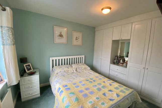 Bed 2 of Whitington Close, Little Lever, Bolton BL3