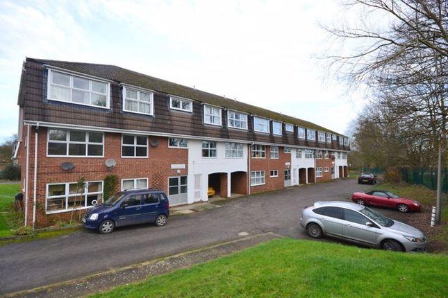 Thumbnail Flat to rent in Grasmere Way, Leighton Buzzard