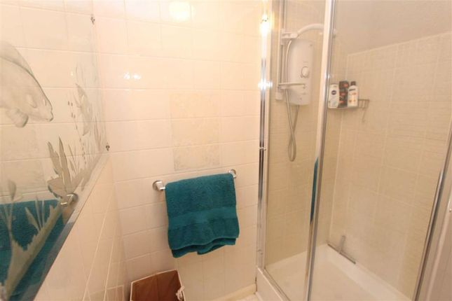 En-Suite Shower of Fairlight Avenue, North Chingford, London E4