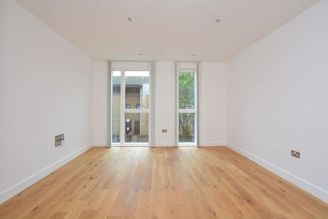 Thumbnail Terraced house to rent in Sportsman Place, Whiston Road, London
