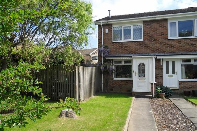 Thumbnail Terraced house to rent in New Park Grove, Farsley, Pudsey