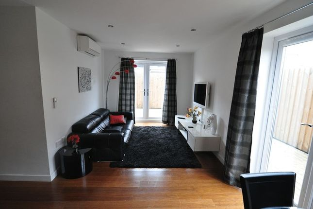 2 bed flat to rent in Union Road, St. Philips, Bristol